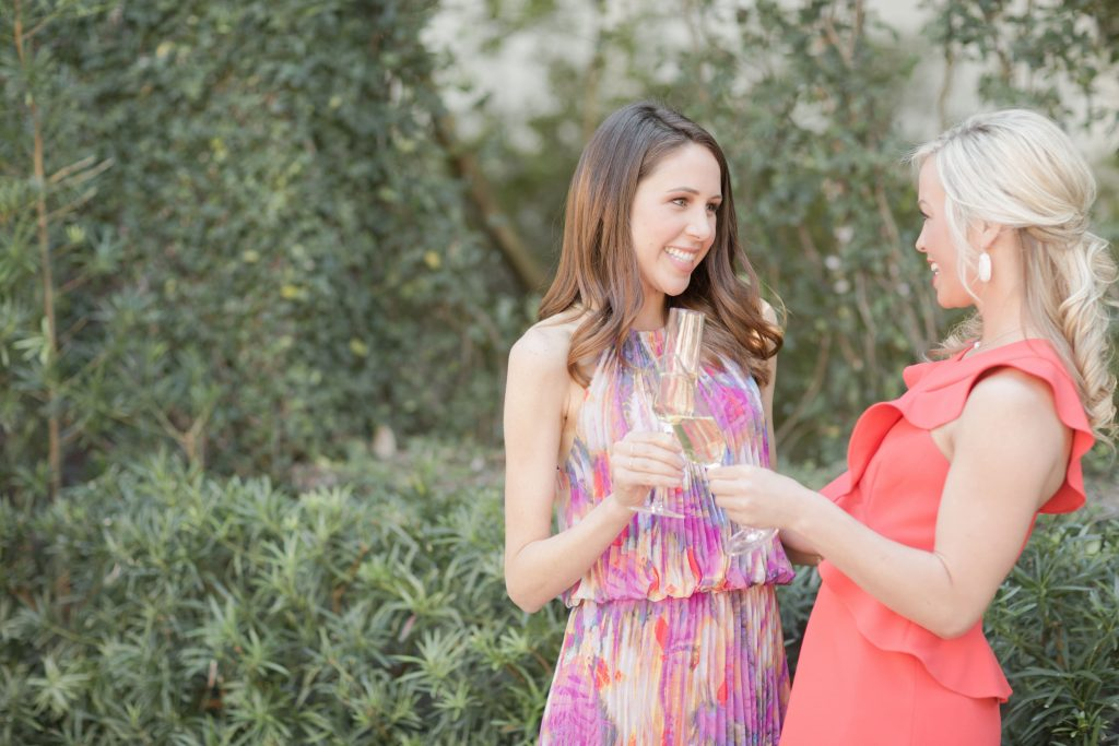 Bridesmaides champagne toast