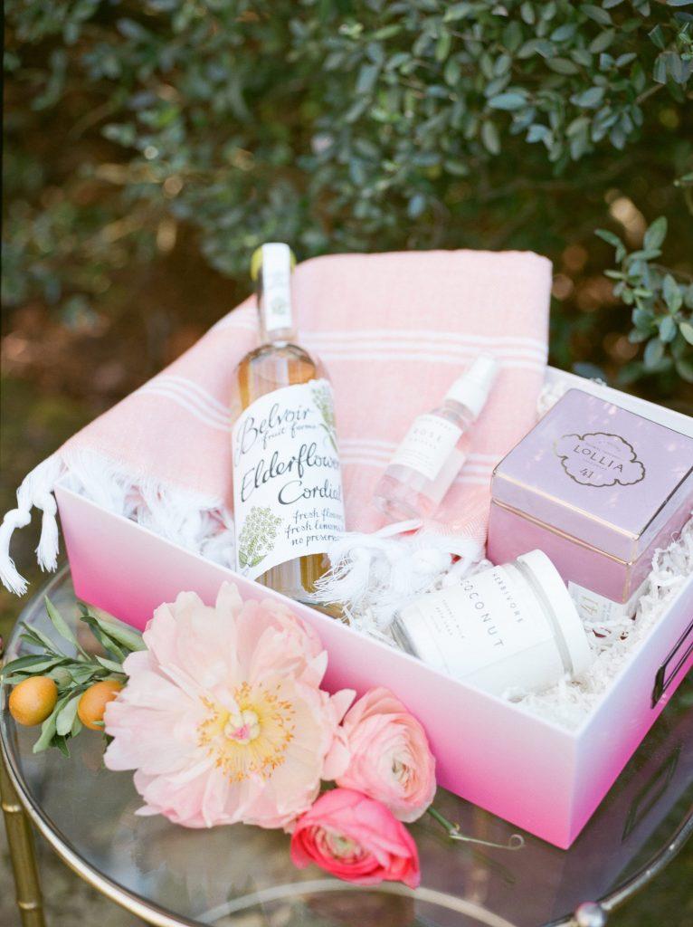Bachelorette-Party-pink-gift-box-ideas