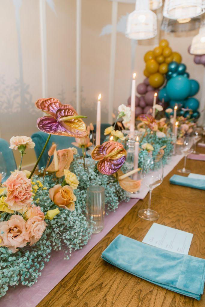 Bright wedding table setting