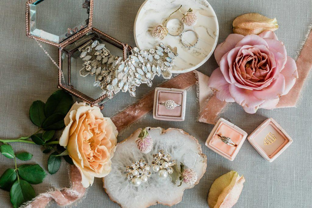 garden-inspired-wedding- bridal-accessories