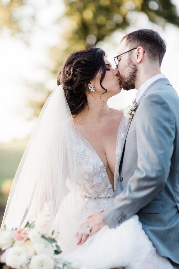 garden-inspired-wedding-kissing-portraits