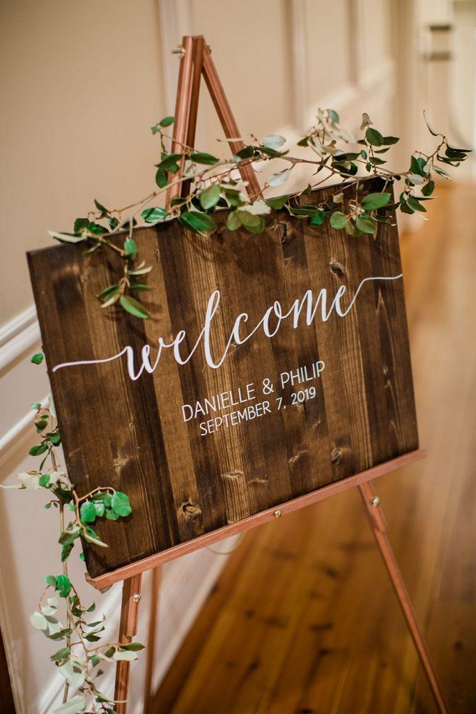 garden-inspired-wedding- welcome-signage