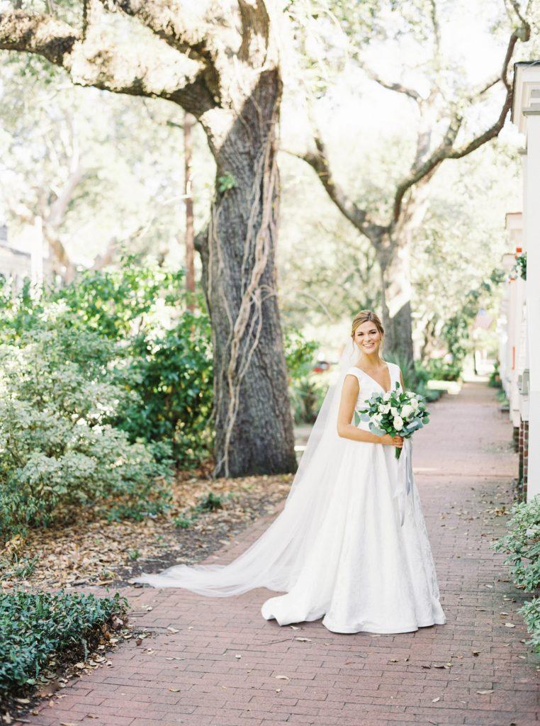 savannah-wedding-bride
